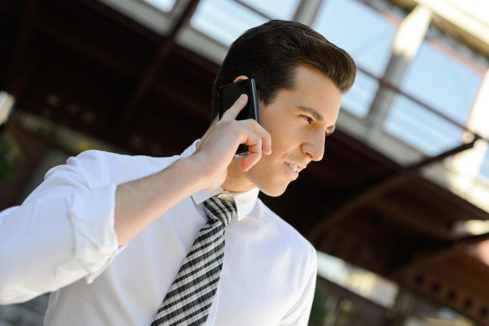 【例文付き】英語の電話対応で使えるビジネス英語フレーズ集 1番目の画像