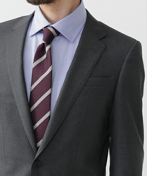 グレースーツと3種の神器「シャツ・ネクタイ・靴」の着こなし方:ワンランク上のおしゃれなスーツ姿へ 4番目の画像
