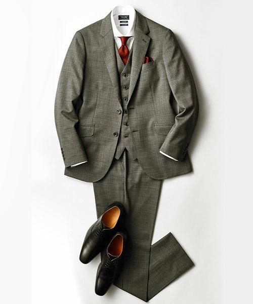 グレースーツと3種の神器「シャツ・ネクタイ・靴」の着こなし方:ワンランク上のおしゃれなスーツ姿へ 11番目の画像