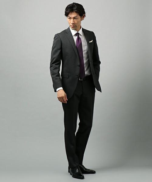 グレースーツと3種の神器「シャツ・ネクタイ・靴」の着こなし方:ワンランク上のおしゃれなスーツ姿へ 13番目の画像