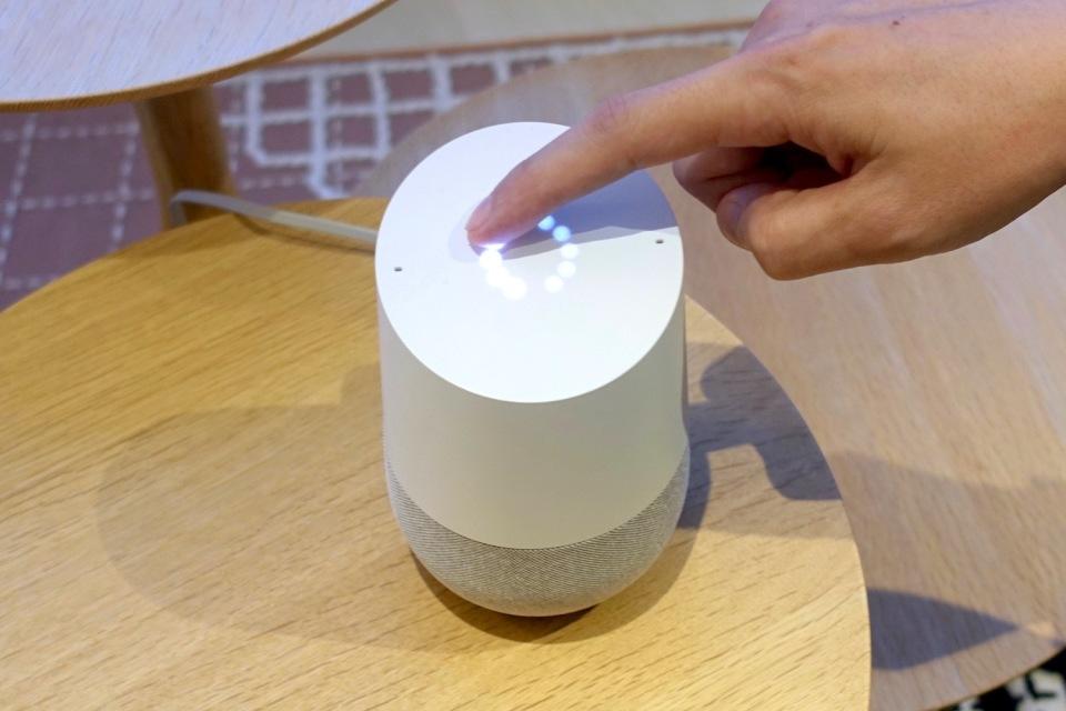 西田宗千佳のトレンドノート:Google Home、ついに日本登場。ライバルとどう違う? 2番目の画像