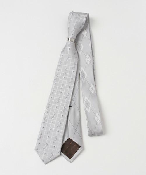 結婚式にNGなスーツって?男性ゲストの結婚式服装マナー&王道スーツコーデ 19番目の画像
