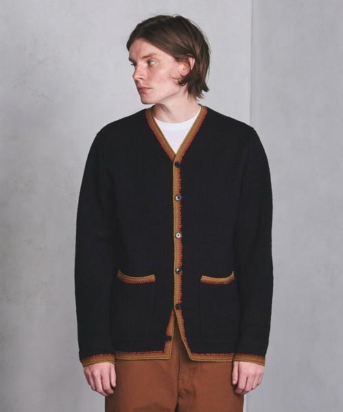 秋冬のスーツスタイルは「セーター」を取り入れる! スーツとセーターの着こなしを徹底解説 6番目の画像
