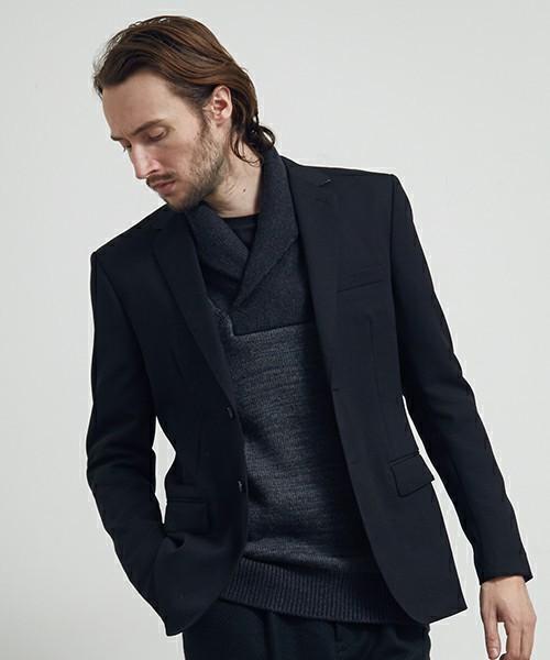 秋冬のスーツスタイルは「セーター」を取り入れる! スーツとセーターの着こなしを徹底解説 10番目の画像
