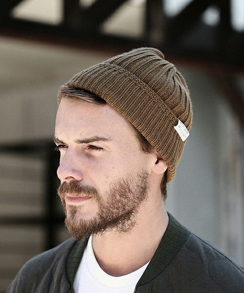 前髪、耳は出すのが正しい? メンズニット帽のかぶり方&おしゃれな着こなし術 1番目の画像