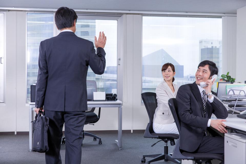 「お気をつけて」だけはNG?外出や出張に行く上司に対する正しい敬語の使い方 3番目の画像