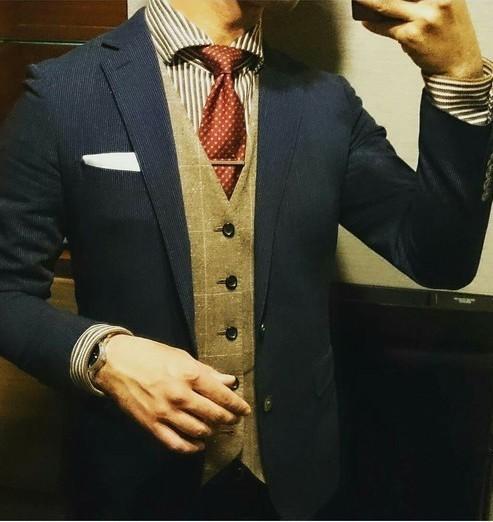 お洒落にスーツ×ベストを着こなすコツ。スーツ×ベストのおすすめコーデ集 14番目の画像