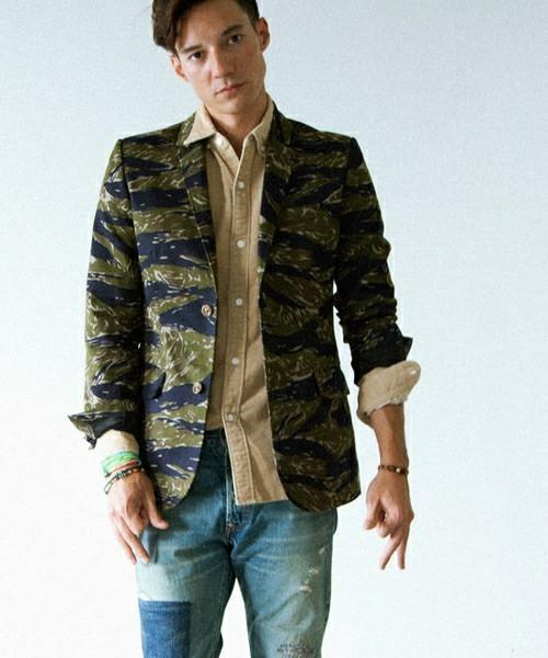 """真の洒落男が着こなす「ジャケット×ジーンズ」:本当の""""かっこいい""""を魅せる、ジャケジーのコーデ術 11番目の画像"""