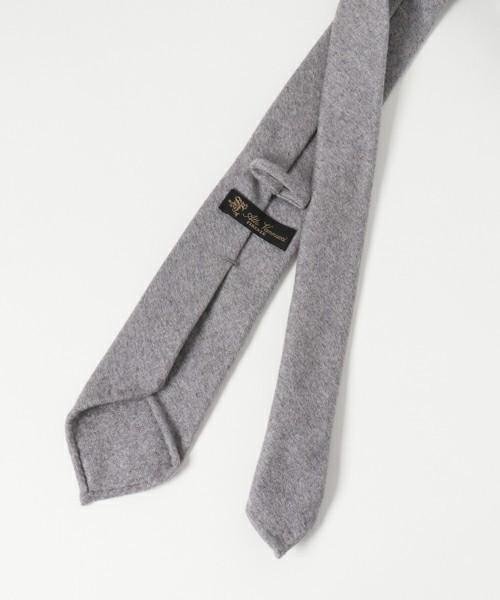 【一発でキメる!】ネクタイを正しい長さで結ぶコツ 3番目の画像