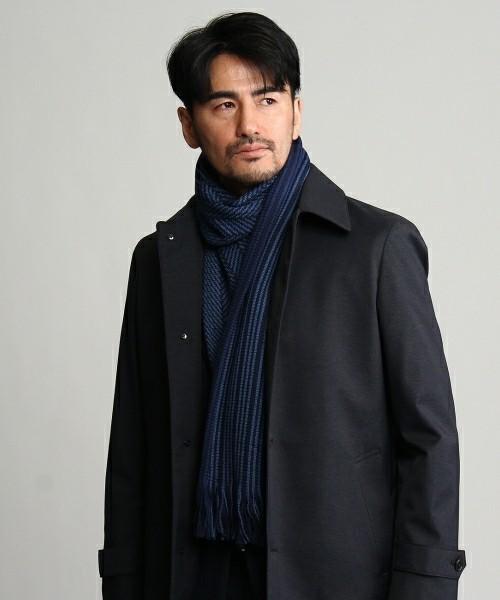 スーツに合わせやすいマフラーの色は?ビジネスシーンで大人の魅力を引き立てるマフラーリスト 2番目の画像