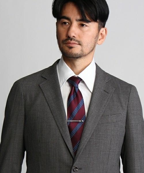 知らないと恥ずかしい基本マナー|スーツに着けるアクセサリーのOK・NGラインとは? 4番目の画像