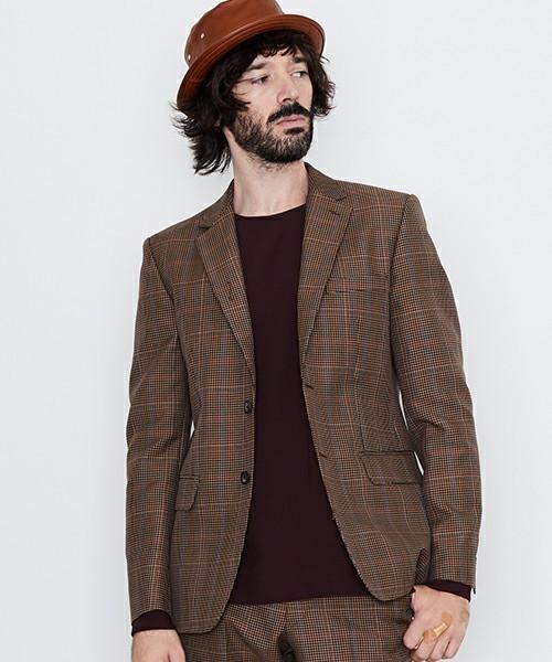 秋冬スーツの新定番「ブラウンスーツ」:ブラウンスーツのおしゃれな着こなしでワンランク上を目指す 3番目の画像