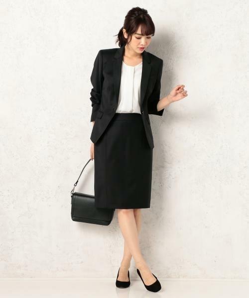 女性社員が気を付けたい、スーツを着るときのタイツのマナー 1番目の画像