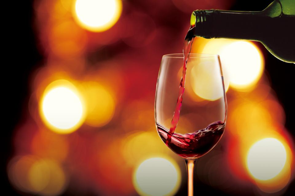 居酒屋の上座は? 居酒屋で楽しく目上の人と一緒に飲む時のマナー 1番目の画像
