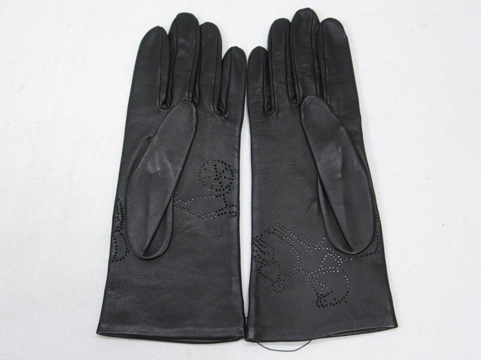 秋冬スーツのお供「メンズ手袋」を展開するブランド3選。スーツスタイルをかっこよく、あったかく。 7番目の画像