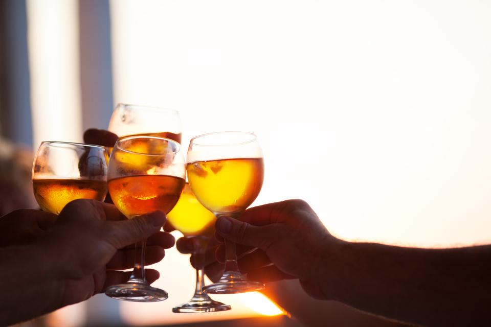 飲み会を制する者は仕事を制する!知っておくべき飲み会マナー&上司を気持ち良くさせるテクニック3選 3番目の画像