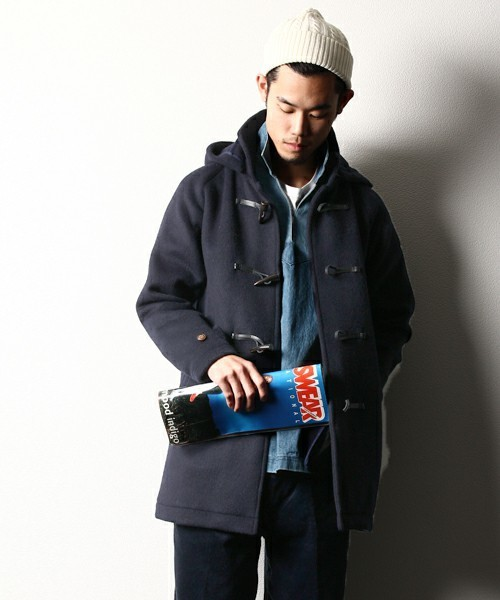 「大人だからこそ」のダッフルコート。子どもっぽくならない、メンズダッフルコートの着こなし術 1番目の画像