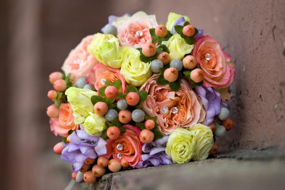 【花束の色に迷う人必見】送別会で送る花束を選ぶときに役立つ、男女別オススメの花色は? 4番目の画像