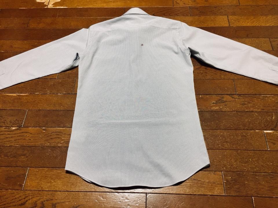「シワひとつ付けない」ワイシャツ収納術:型崩れ・シワを防ぐワイシャツのたたみ方を紹介! 4番目の画像