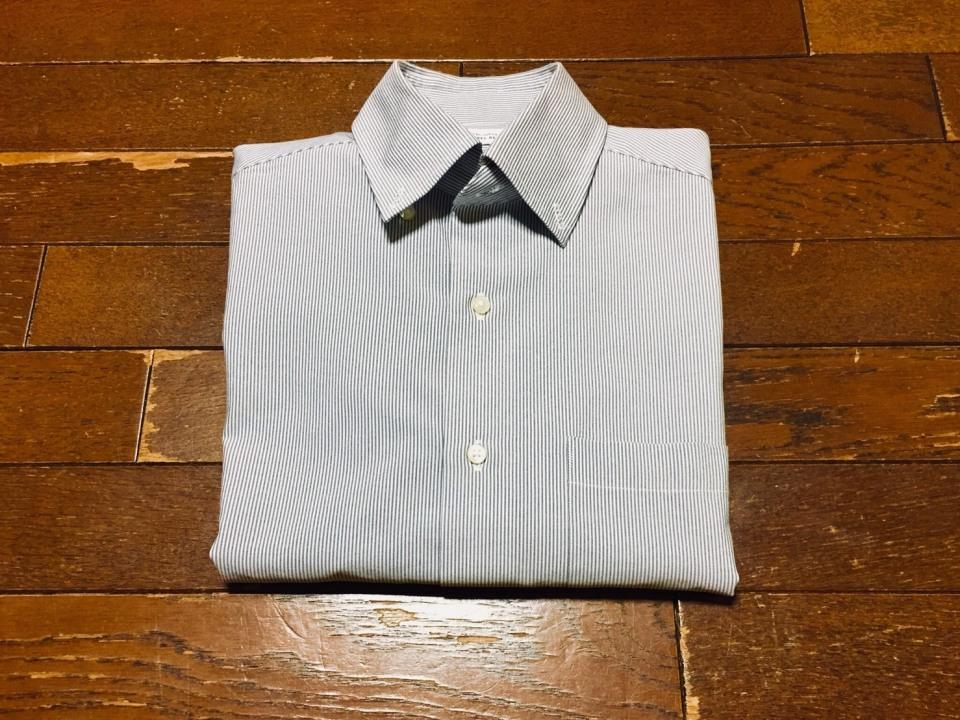 「シワひとつ付けない」ワイシャツ収納術:型崩れ・シワを防ぐワイシャツのたたみ方を紹介! 8番目の画像