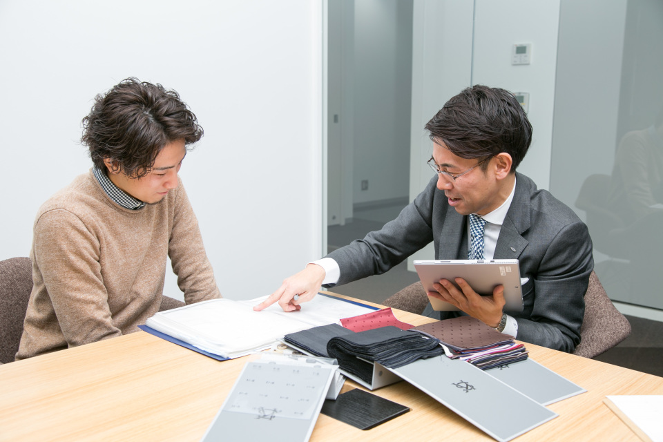 新卒営業マンが3万円からオーダーメイドスーツがつくれる「スマートテーラー」でビシっと大変身! 7番目の画像