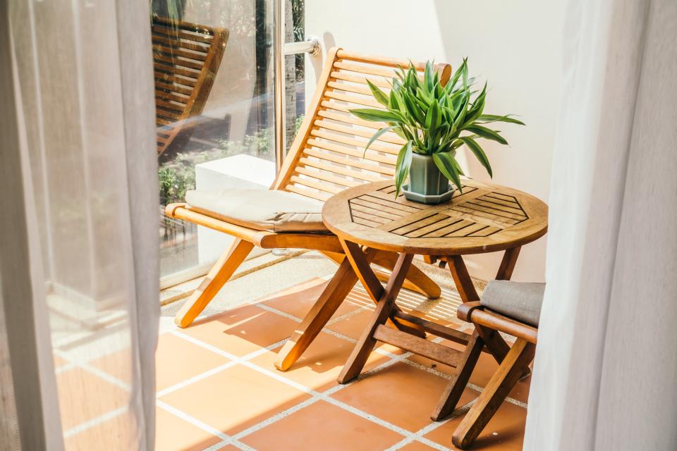 """ダイニングテーブルのDIYは難しくない!天板と脚をひと工夫して""""オンリーワンの家具""""に 5番目の画像"""