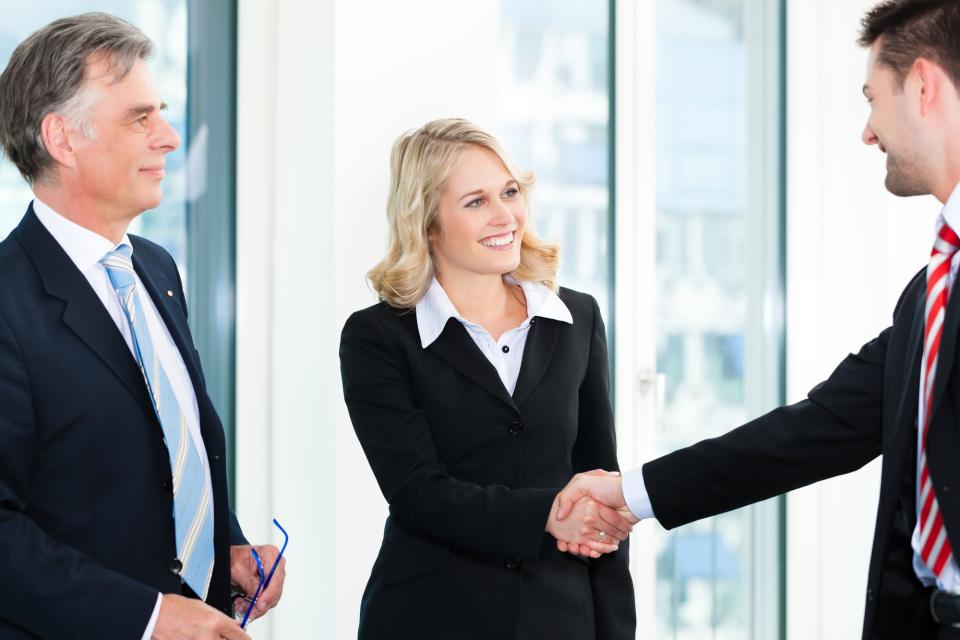 ビジネスシーンで役立つ!英語で自己紹介をするときのポイント&基本フレーズ 1番目の画像