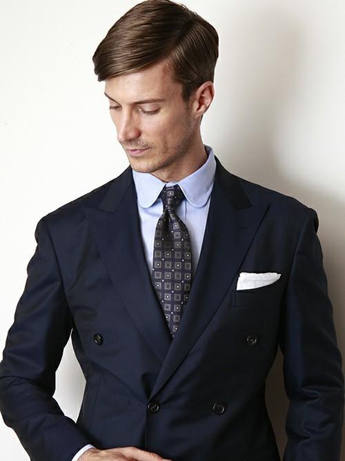 ネクタイの色に迷ったら、この色を身につけよう! 1番目の画像