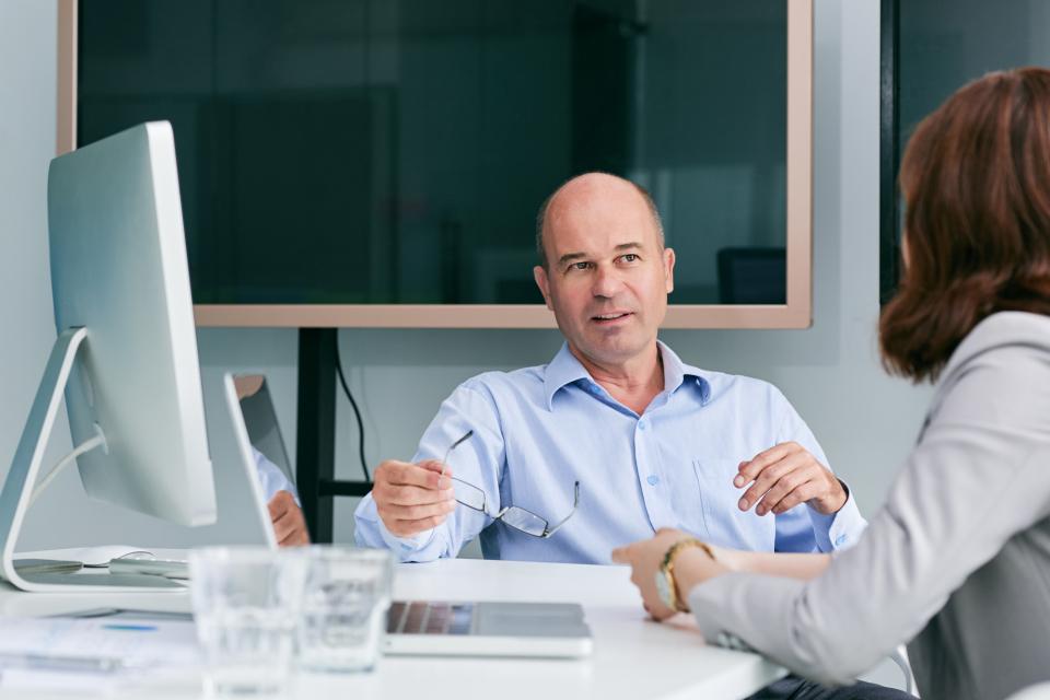 【ビジネス英語】挨拶、相槌、質問、要望などビジネスシーンで使える英語フレーズ例文集 1番目の画像