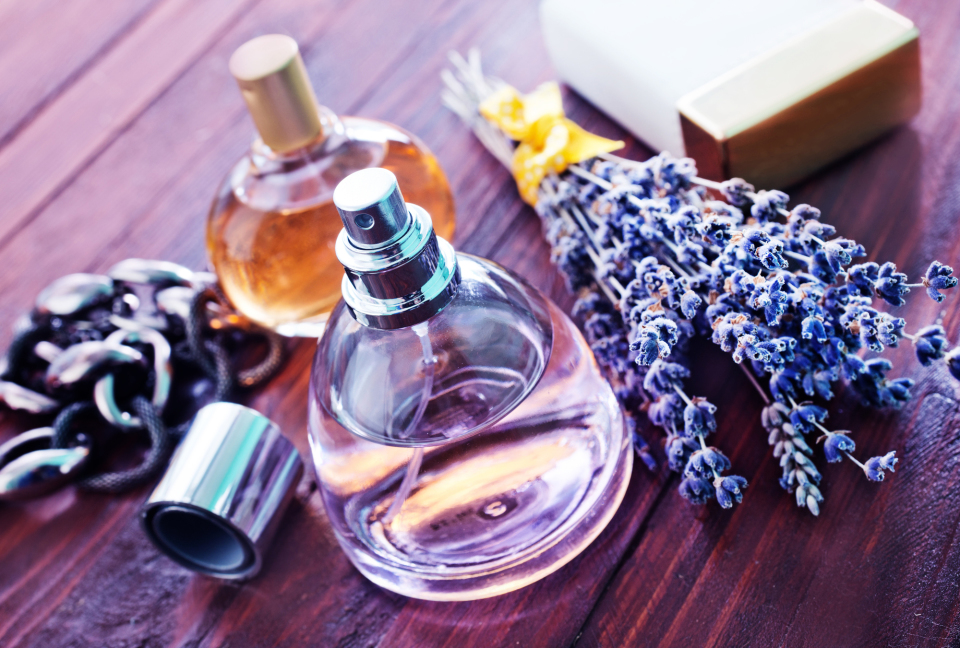 【香水のつけ方】耳の後ろはNG?男性のための香水マニュアル  3番目の画像