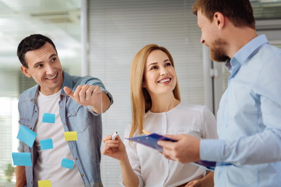 上司が部下を評価するときの効果的なコメント例:人事評価で部下のモチベーションを高めるコツとは? 1番目の画像