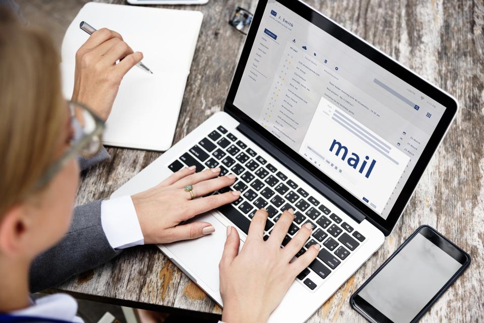【英語ビジネスメールの書き方】場面別の例文&ポイントまとめ 2番目の画像