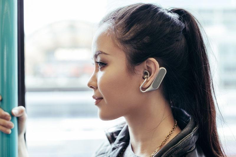 西田宗千佳のトレンドノート:ソニー「Xperia Ear Duo」が開く「ヘッドホン大進化」の時代 4番目の画像