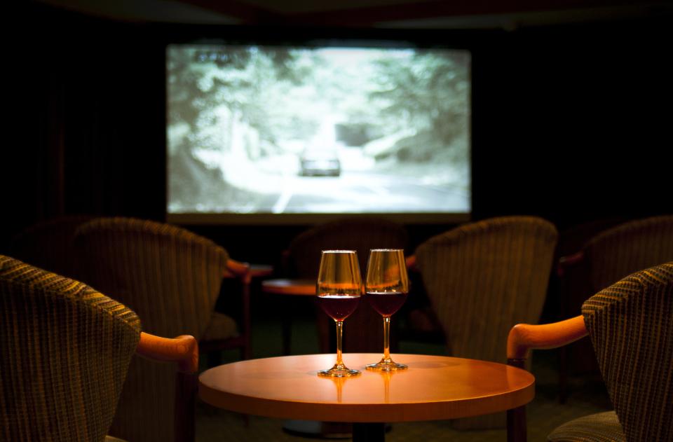 ホームシアター入門者が購入すべき「3種のマストアイテム」:自宅を映画館にする魔法の家電を入手せよ 1番目の画像