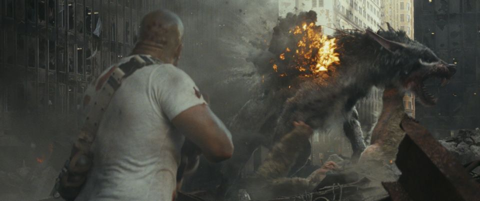 巨獣よりもザ・ロックさまの不死身度がヤバい?モンスターパニック「ランペイジ」でストレス発散! 5番目の画像
