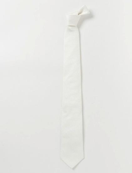 結婚式にNGなスーツって?男性ゲストの結婚式服装マナー&王道スーツコーデ 18番目の画像