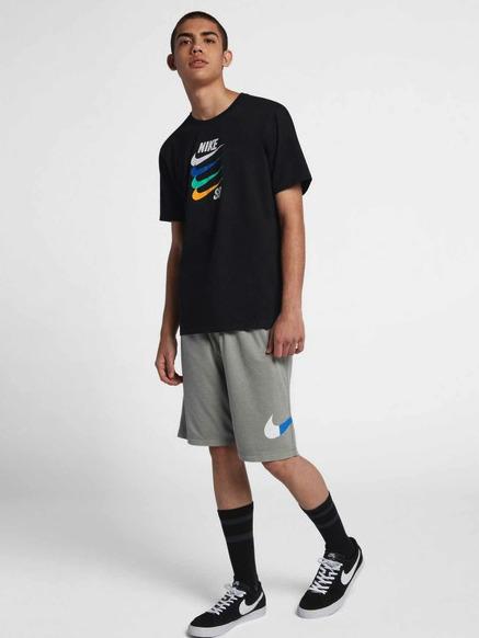 春夏スポーツMIXはナイキTシャツコーデで決まり!ナイキTシャツの着こなしテクニック8つ 7番目の画像