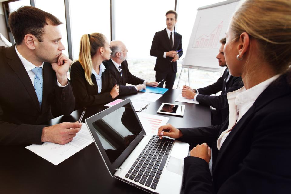 仕事における「提案」と「意見」の違い:すぐれた提案ができてこそ「デキるビジネスマン」 2番目の画像
