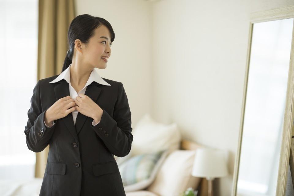面接官に好印象!転職面接に役立つ「女性の服装マナー」 1番目の画像