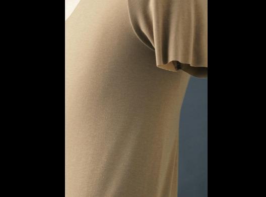 「見えない、だからキマる。」SEEKのアンダーウェアを着ると、なぜスーツ姿がキマるのか? 3番目の画像