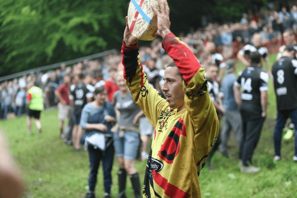 就職せずに世界一周の旅に出た男がイギリス「チーズ転がし祭り」で感じたこと 26番目の画像