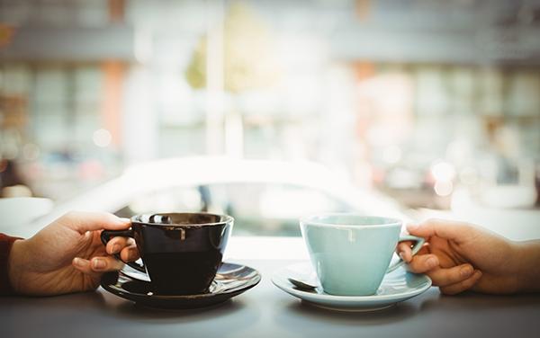 新しい社内コミュニケーションツール「Crack Barista」の誕生!バリスタのハンドドリップコーヒーをオフィス内で楽しむことで職場環境を向上へ 1番目の画像