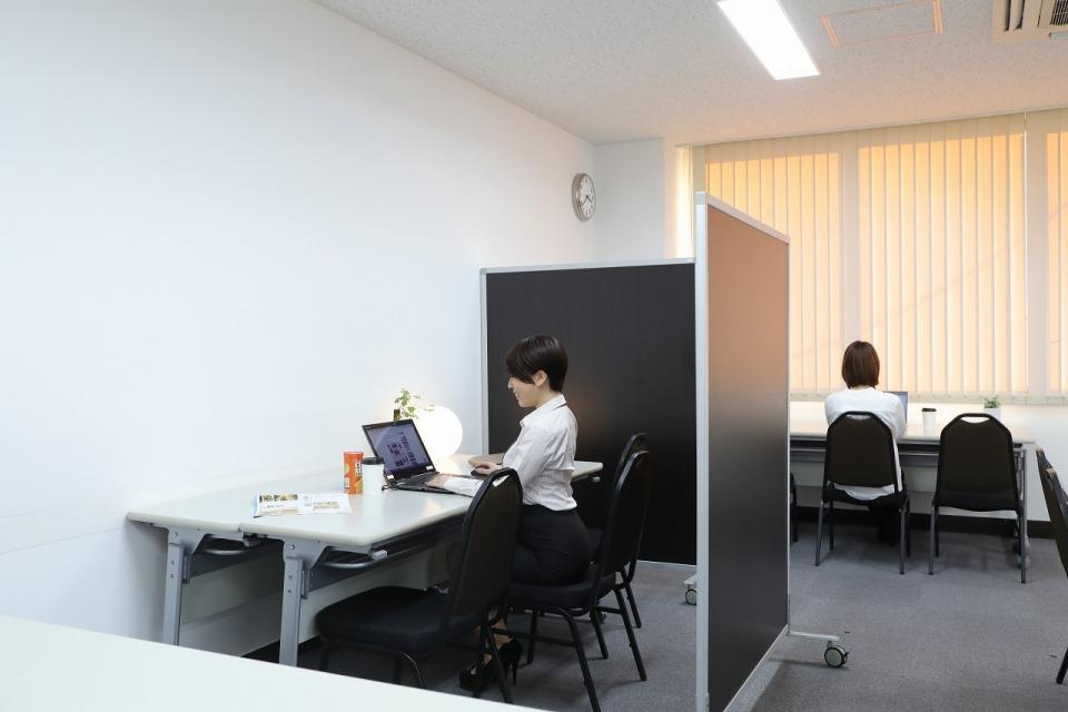 WEB会議室の場所探しに悩む方必見!予約なしでWEB会議室の一時利用が出来るサービス「ひとり会議室」の提供が開始 1番目の画像