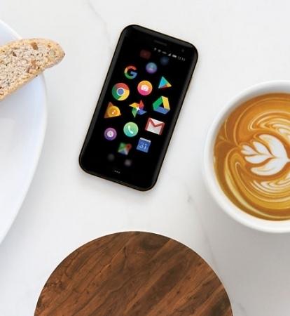 世界初!カードサイズの小さな小さなSIMフリースマートフォンが+Styleから登場。Androidの「Palm Phone」、4月24日より発売開始 2番目の画像