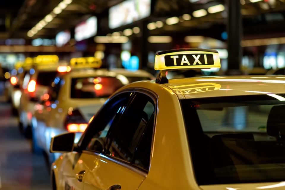 タクシー×デジタル広告で「エグゼクティブ層への認知・ブランディング」を支援、『タクシー車内サイネージ特化型動画広告制作サービス』 1番目の画像