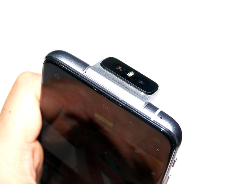 フリップカメラ搭載!ASUSのSIMフリースマホ「ZenFone 6」は意外とコスパがいい!?【石野純也のモバイル活用術】 5番目の画像
