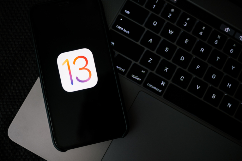 西田宗千佳のトレンドノート:iOS13での「位置情報取得」ダイヤログが示す課題 1番目の画像