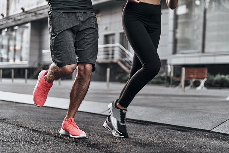 メンズ用ランニングファッション「着こなしの鉄則」:ジョギングを楽しくするランニングウェア&着こなし術 1番目の画像