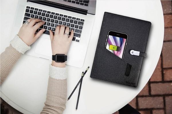 ・商談中も気づかれずにスマホを充電できる「充電ノート」が発売 1番目の画像