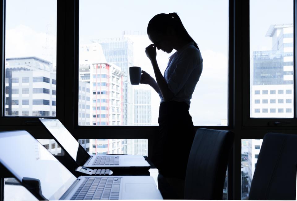 ブラック企業って結局どんな企業?ブラックと感じる3大要素は長時間労働、低い給与、尊敬できない上司・経営者|調査結果 1番目の画像